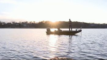 Mossy Oak Fishing Elements Agua TV Spot, 'Out on the Water' - Thumbnail 4