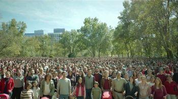 DishLATINO TV Spot, 'Las familias latinas' con Eugenio Derbez [Spanish] - Thumbnail 10