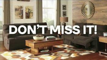 Ashley HomeStore Presidents' Day Event TV Spot, 'Held Over' - Thumbnail 7