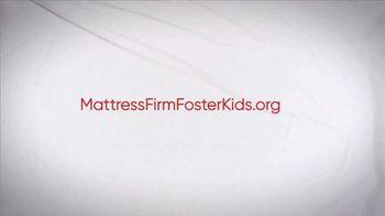 Mattress Firm Foster Kids TV Spot, 'Donate Supplies' Feat. Simone Biles - Thumbnail 8