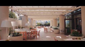 Waldorf Astoria Beverly Hills TV Spot, 'Live Unforgettable' - Thumbnail 4
