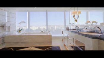 Waldorf Astoria Beverly Hills TV Spot, 'Live Unforgettable' - Thumbnail 6