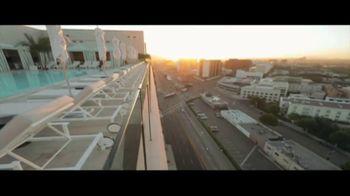 Waldorf Astoria Beverly Hills TV Spot, 'Live Unforgettable' - Thumbnail 8