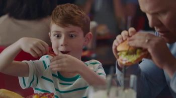 Red Robin Tavern Double Burgers TV Spot, 'Let's Burger Taco Tavern Double' - Thumbnail 3