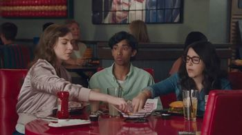 Red Robin Tavern Double Burgers TV Spot, 'Let's Burger Taco Tavern Double' - Thumbnail 6