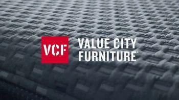 Value City Furniture Presidents' Day Mattress Sale TV Spot, 'Plush' - Thumbnail 2
