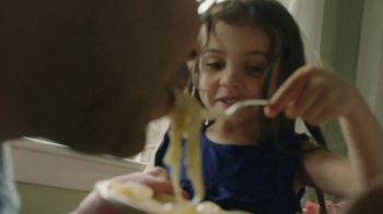 Olive Garden TV Spot, 'Thank You, Dad' Song by Grace Elizabeth Lee - Thumbnail 4