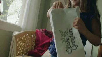 Olive Garden TV Spot, 'Thank You, Dad' Song by Grace Elizabeth Lee - Thumbnail 6