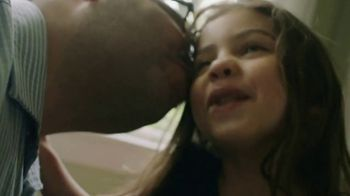 Olive Garden TV Spot, 'Thank You, Dad' Song by Grace Elizabeth Lee - Thumbnail 7