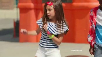 Old Navy TV Spot, 'Hi, Light: Entire Store' Song by Sofi Tukker - Thumbnail 5