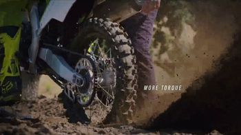 2018 Kawasaki KX 250F TV Spot, 'Seconds' Ft. Ryan Villopoto, Jeremy McGrath - Thumbnail 3