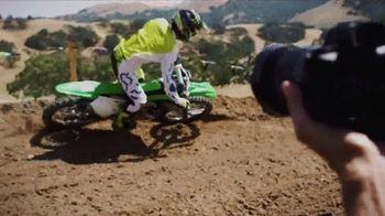 2018 Kawasaki KX 250F TV Spot, 'Seconds' Ft. Ryan Villopoto, Jeremy McGrath - Thumbnail 5