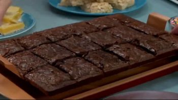 Red Copper Brownie Bonanza TV Spot, 'How Easy: Donut Pan' - Thumbnail 2