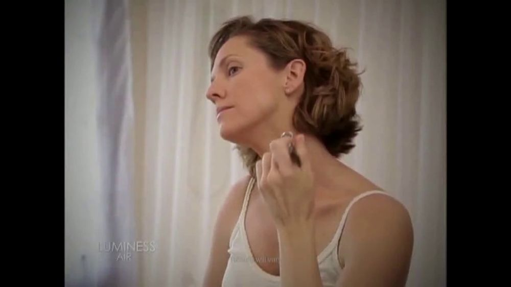 Luminess Air 20th Anniversary Sale TV Commercial, 'Air Brush Beauty Breakthrough'