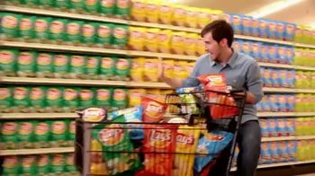 Lay's TV Spot, 'Grocery Aisle: Life Needs Flavor' - Thumbnail 7