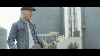 Big Machine TV Spot, 'Eli Young Band: Neverland' - Thumbnail 3
