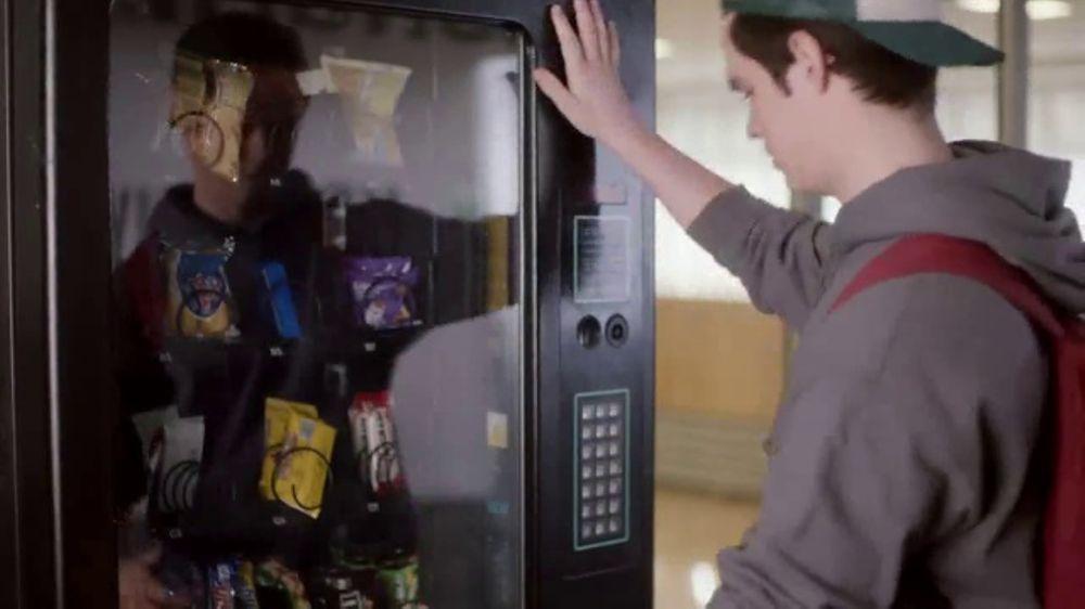 Sabra Grab & Go TV Commercial, 'Self-Respect'