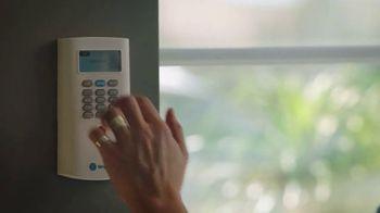 2017 HGTV Smart Home Giveaway TV Spot, 'SimpliSafe: Live Stress-Free' - Thumbnail 3