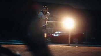Modelo Especial TV Spot, 'Fighting for the Beautiful Game' Featuring Omar Gonzalez - Thumbnail 3