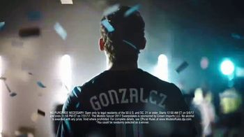 Modelo Especial TV Spot, 'Fighting for the Beautiful Game' Featuring Omar Gonzalez - Thumbnail 8