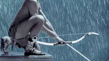 Versace EROS Father's Day Gift Set TV Spot, 'Bow and Arrow' - Thumbnail 5