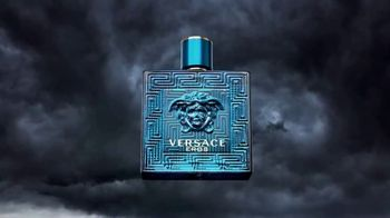 Versace EROS Father's Day Gift Set TV Spot, 'Bow and Arrow' - Thumbnail 7
