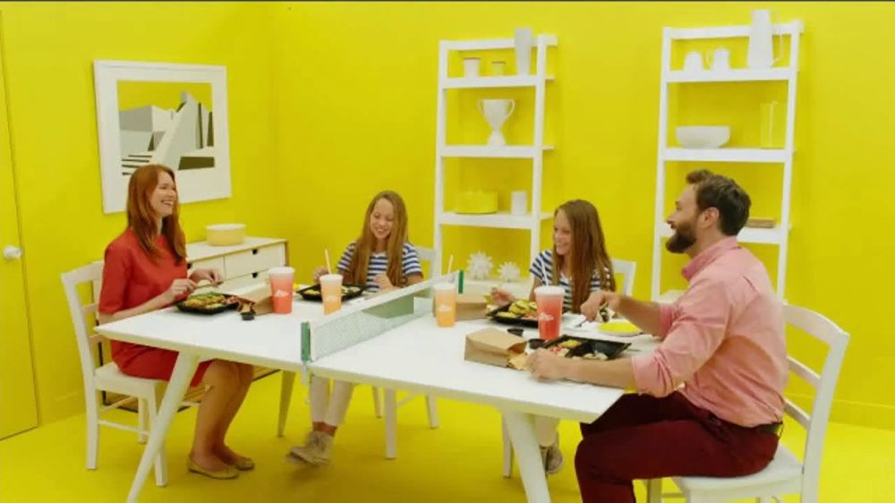 Del Taco Wet Burrito Platos TV Commercial, 'Fresh and Fast'