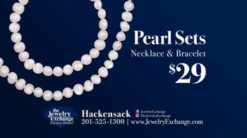 Jewelry Exchange TV Spot, 'Celebrate Dads and Grads!' - Thumbnail 3