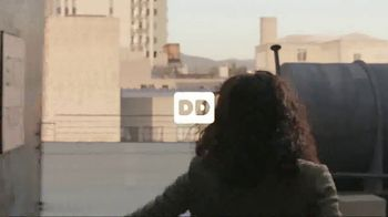 Dunkin' Donuts Frozen Dunkin' Coffee TV Spot, 'Rooftop Escape' - Thumbnail 1