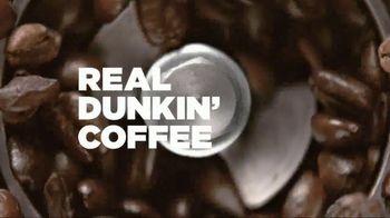 Dunkin' Donuts Frozen Dunkin' Coffee TV Spot, 'Rooftop Escape' - Thumbnail 3