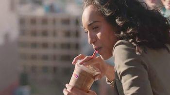 Dunkin' Donuts Frozen Dunkin' Coffee TV Spot, 'Cremoso' [Spanish] - Thumbnail 6