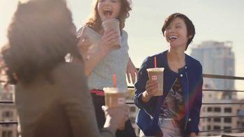 Dunkin' Donuts Frozen Dunkin' Coffee TV Spot, 'Cremoso' [Spanish] - Thumbnail 7