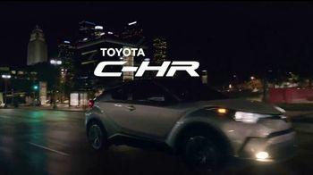2018 Toyota C-HR TV Spot, 'Rapunzel: misión' [Spanish] [T1] - Thumbnail 9