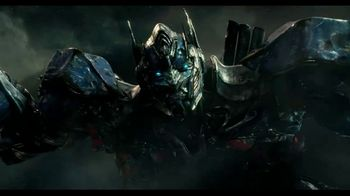 Sonic Drive-In Slushes TV Spot, 'Transformers: The Last Knight' [Spanish] - Thumbnail 2