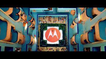 Motorola Moto Z Droid TV Spot, 'Moto Mods' - Thumbnail 6