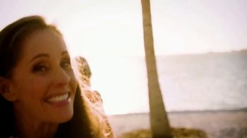 Latitude Margaritaville TV Spot, 'Live the Lifestyle' Song by Jimmy Buffett - Thumbnail 4