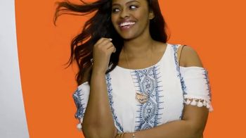 JCPenney Summer Fashion Stock-Up TV Spot, 'Whites and Brights' - Thumbnail 3