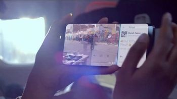 Samsung Galaxy S8 TV Spot, 'Travel Guide: Gear 360' Song by Bomba Estéreo - Thumbnail 3