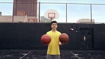 Google Pixel TV Spot, 'Tricky Shot: Dad' - Thumbnail 1
