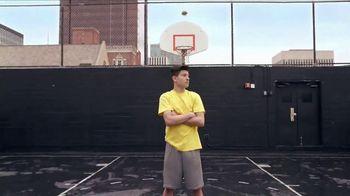 Google Pixel TV Spot, 'Tricky Shot: Dad' - Thumbnail 3