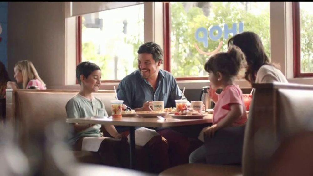 IHOP TV Commercial, 'Juicy, Fresh Fruit'