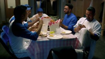 Common Sense Media TV Spot, 'Phone or Food' Featuring Adrian Gonzalez - Thumbnail 3
