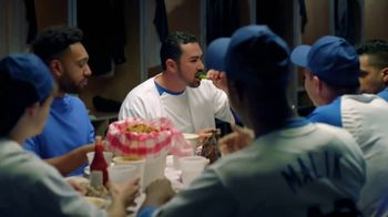 Common Sense Media TV Spot, 'Phone or Food' Featuring Adrian Gonzalez - Thumbnail 9