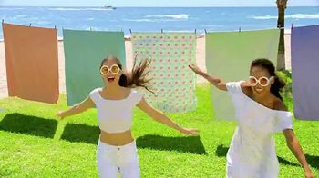Macy's Summer Sale TV Spot, 'Shoes for Her' Song by Katrina & The Waves - Thumbnail 9