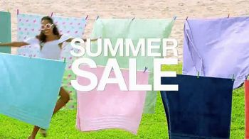Macy's Summer Sale TV Spot, 'Shoes for Her' Song by Katrina & The Waves - Thumbnail 2
