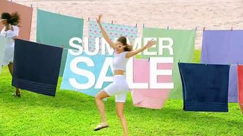 Macy's Summer Sale TV Spot, 'Shoes for Her' Song by Katrina & The Waves - Thumbnail 3