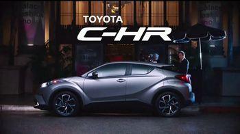 2018 Toyota CH-R TV Spot, 'Cenicienta' [Spanish] [T1] - Thumbnail 6