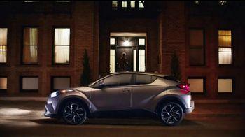 2018 Toyota CH-R TV Spot, 'Cenicienta' [Spanish] [T1] - Thumbnail 2