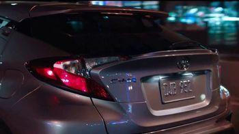 2018 Toyota CH-R TV Spot, 'Cenicienta' [Spanish] [T1] - Thumbnail 3