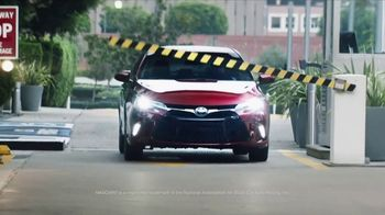 Toyota Time Sales Event TV Spot, 'NASCAR: Camry Cash' Feat. Denny Hamlin [T2] - Thumbnail 3